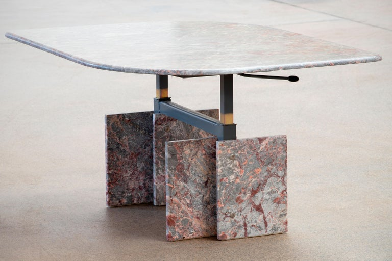 Italian Design Marble Coffee Table, 1970 For Sale 2