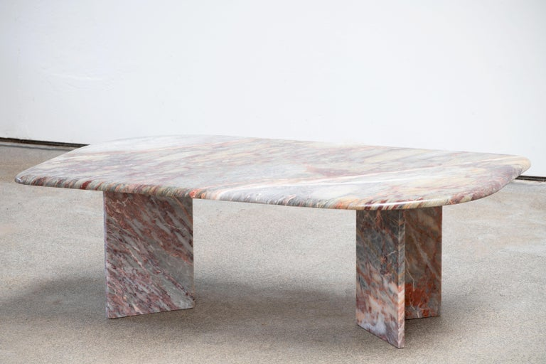 Italian design Marble Coffee Table 1970 For Sale 2