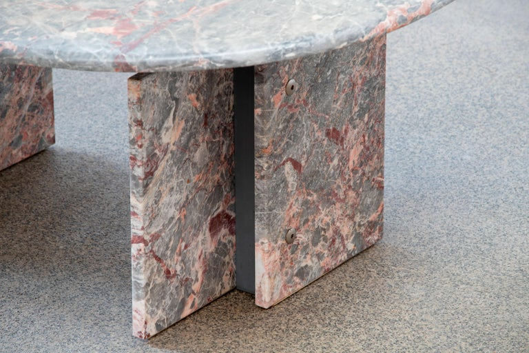 Italian Design Marble Coffee Table, 1970 For Sale 4