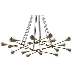 Italian Design Midcentury Chandelier in Brass from Stilnovo, 1950s, White Gold