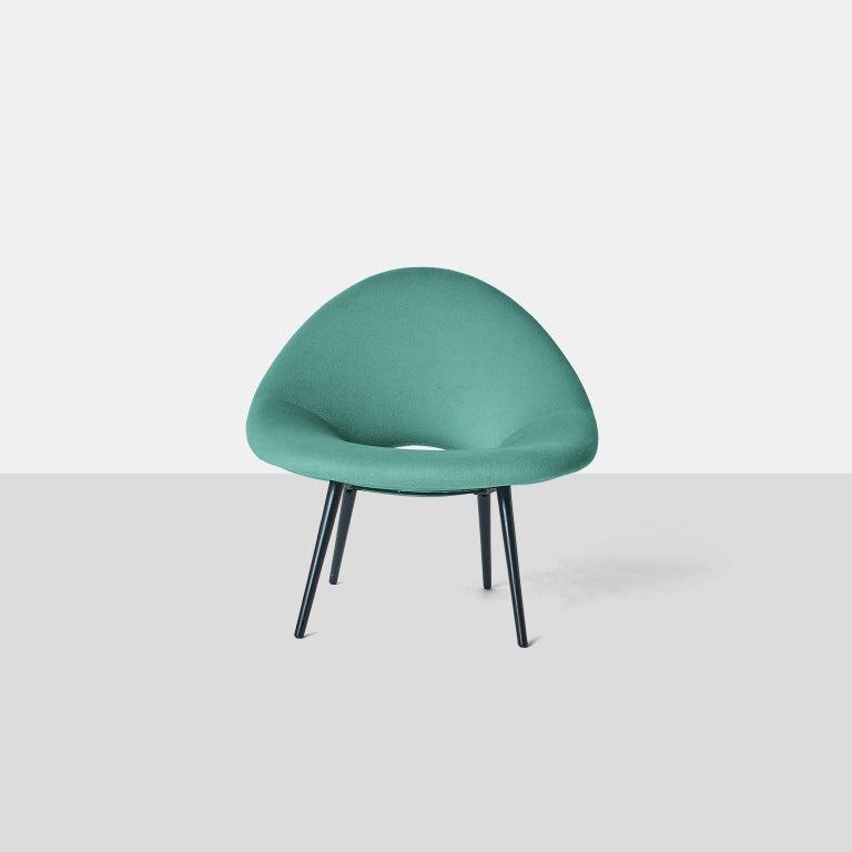 Mid-Century Modern Italian Design Scoop Chair For Sale