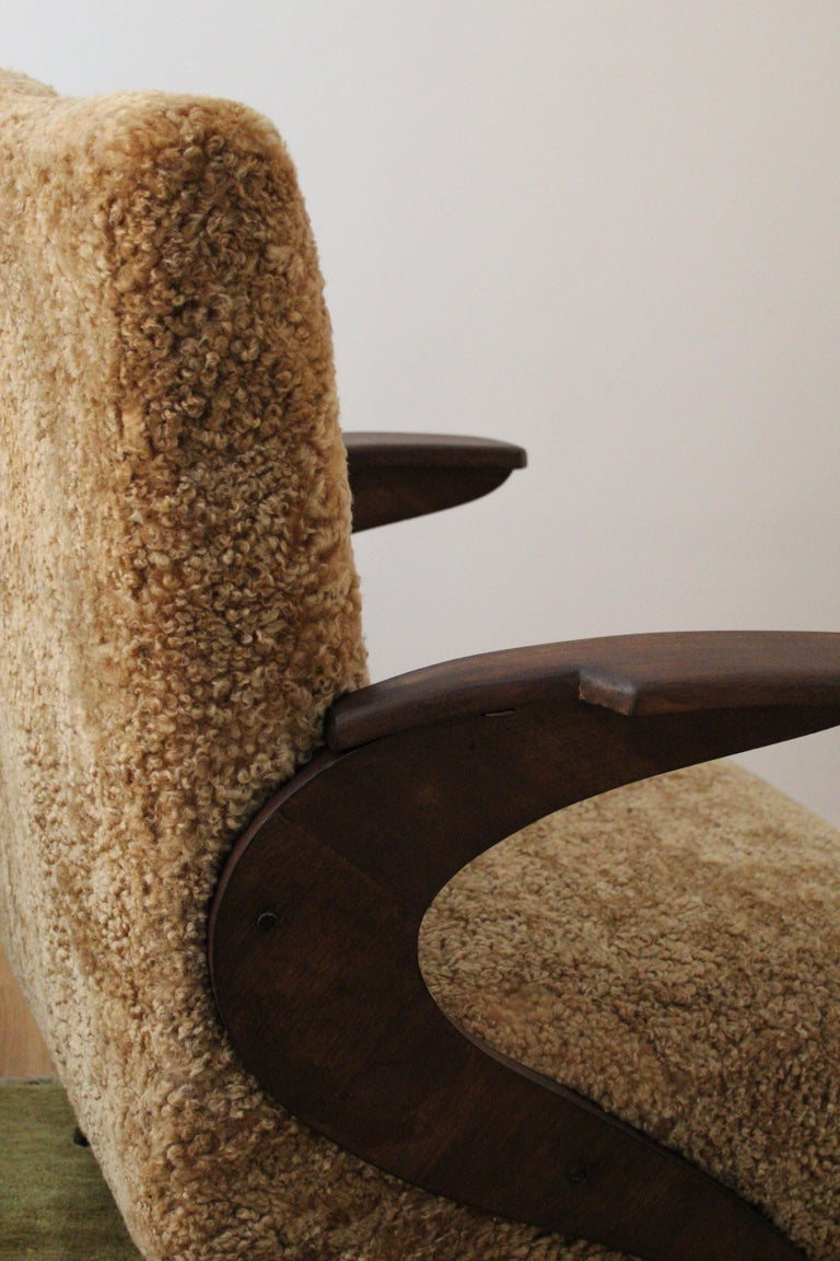 Italian Designer, Organic Lounge Chairs, Sheepskin, Stained Wood, Italy, 1940s For Sale 1