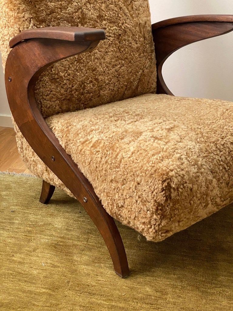 Italian Designer, Organic Lounge Chairs, Sheepskin, Stained Wood, Italy, 1940s For Sale 3