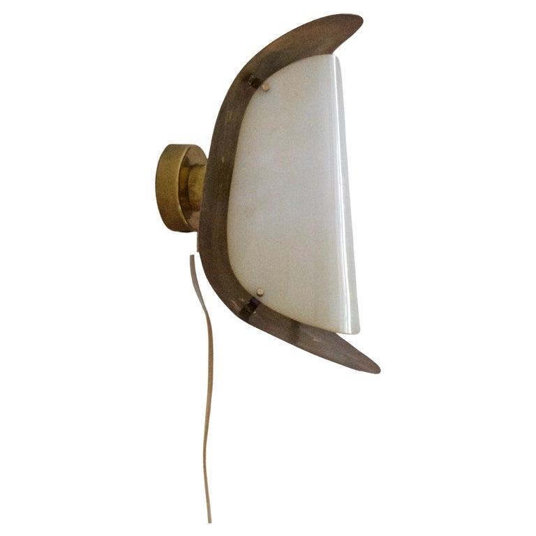 Italian Designer, Wall Light / Sconce, Brass, Acrylic, Italy, 1950s For Sale