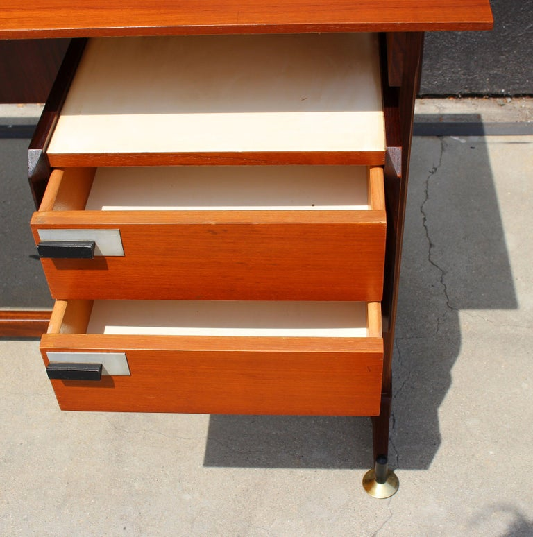 Mid-Century Modern Italian Desk and the Chair Attributed to Ico Parisi For Sale