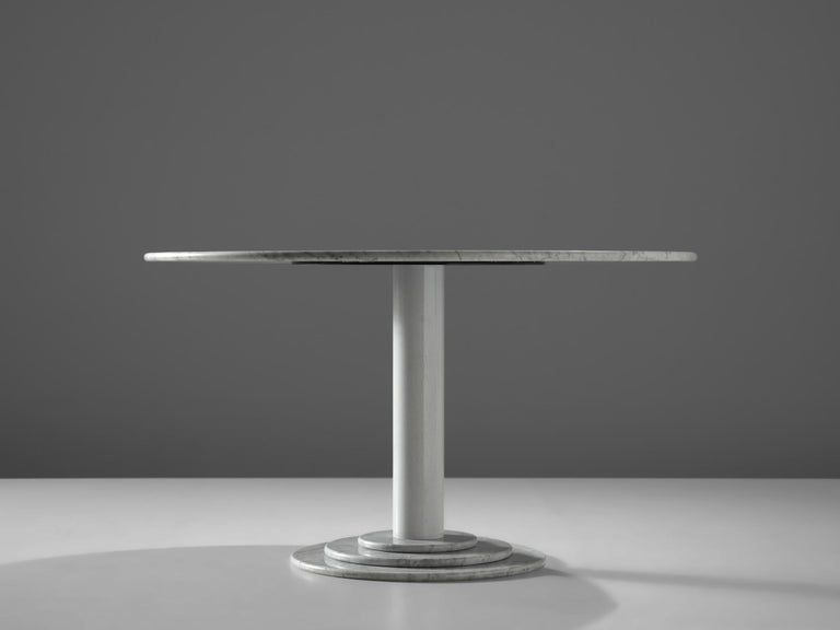 Italian Dining Table in White Marble In Good Condition For Sale In Waalwijk, NL