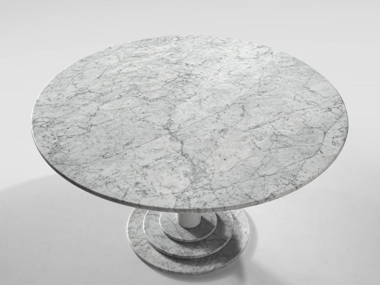 Late 20th Century Italian Dining Table in White Marble For Sale