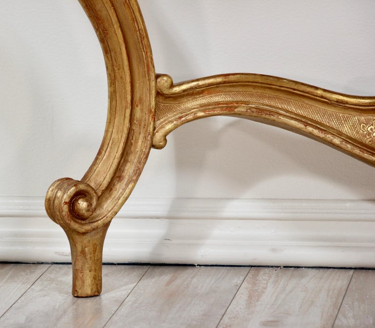 Italian Early 20th Century Carved Giltwood Console Tables For Sale 5