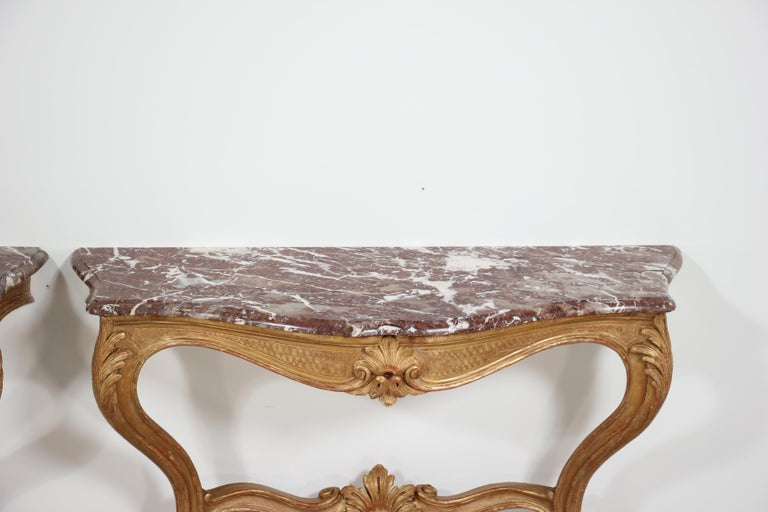 Italian Early 20th Century Carved Giltwood Console Tables For Sale 6