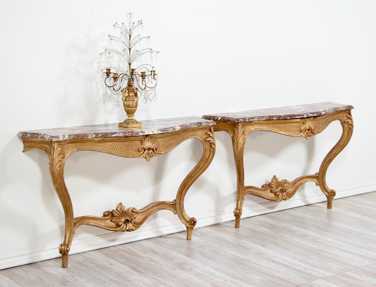 Italian Early 20th Century Carved Giltwood Console Tables In Good Condition For Sale In Los Angeles, CA