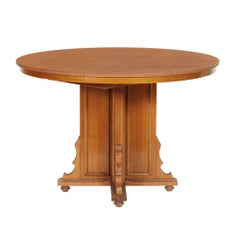 Italian Early 20th Century Eclectic Extendable Round Table in Walnut and Veneer