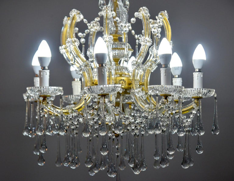20th Century Italian Eight Light Crystal Chandelier For Sale