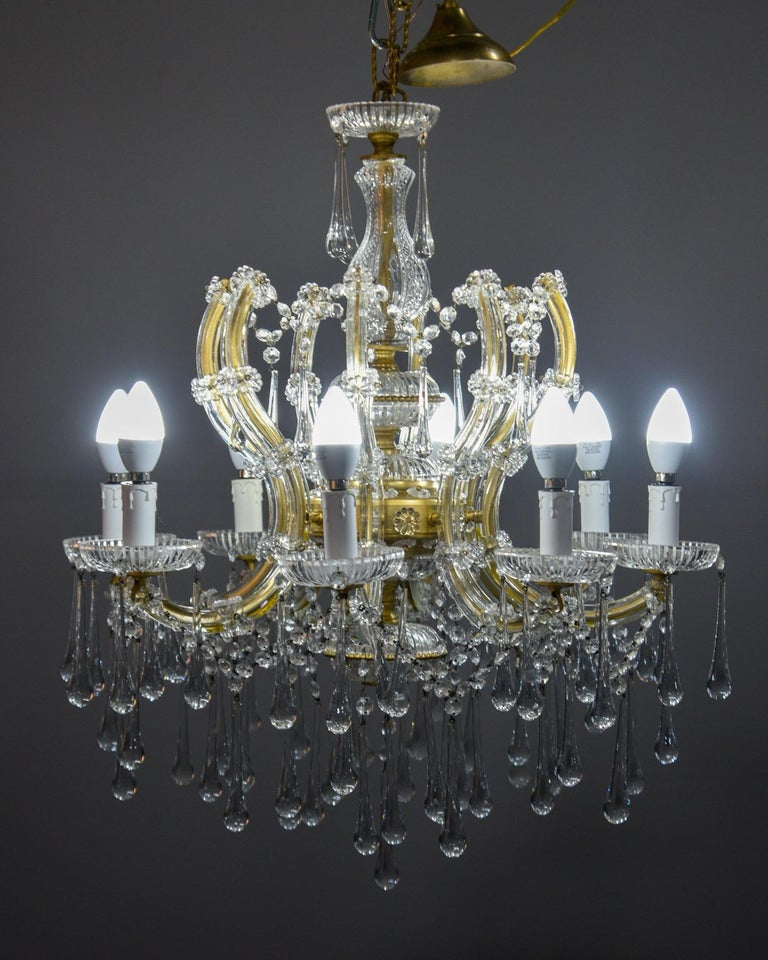 Italian Eight Light Crystal Chandelier For Sale 1