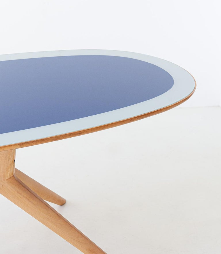 Mid-20th Century Italian Elliptical Light Wood and Blue Glass Table, 1950s For Sale