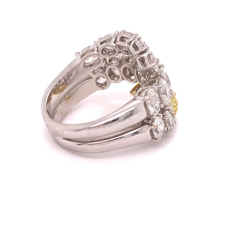 Italian Estate Fancy Yellow and Oval Diamond Ring In Good Condition For Sale In Derby, NY