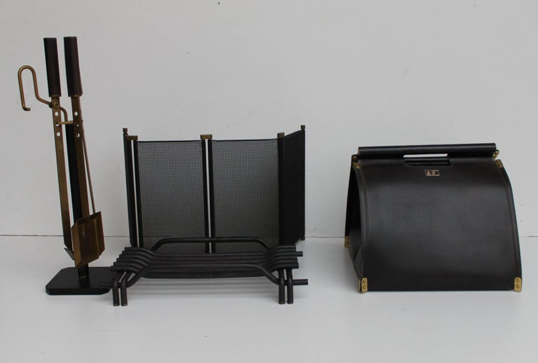 Incredible fireplace set by Tobia & Afra Scarpa, set Attrezzi da Camino for Dimensione Fuoco, 1983. Leather wood carrier