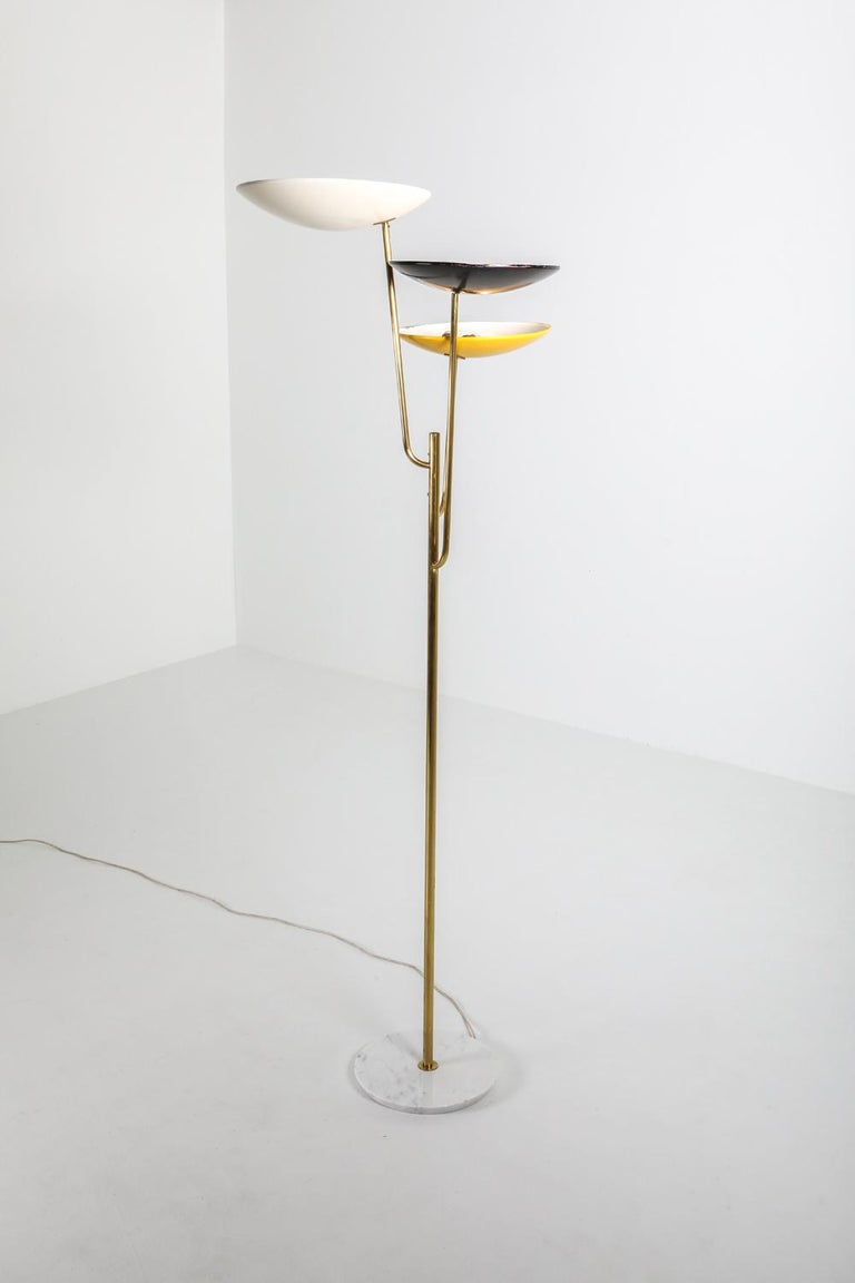 Italian Floor Lamp 1950s Style with a White, Yellow and Black Shade In Excellent Condition For Sale In Antwerp, BE
