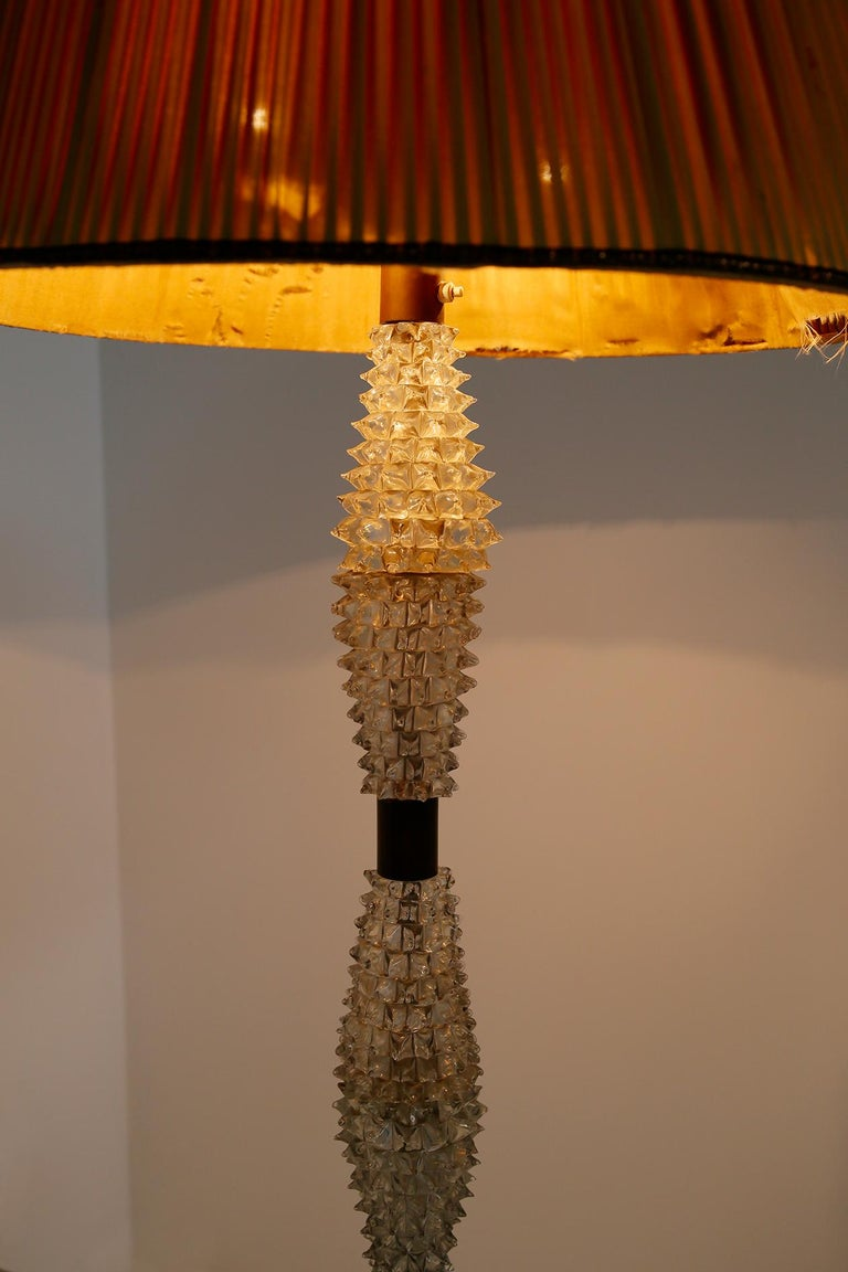 Italian Floor Lamp by Barovier & Toso in Rostrato Glass and Brass, 1940s In Good Condition For Sale In Milano, IT