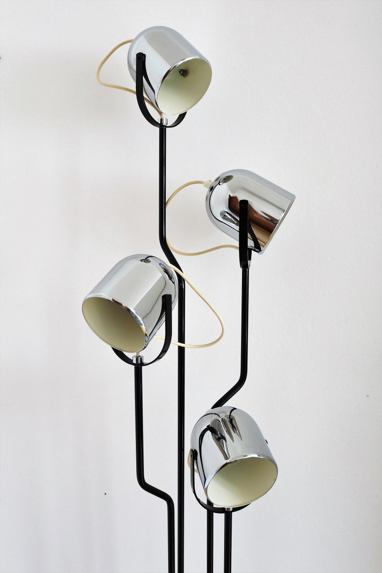 Italian Floor Lamp with Four Lights by Reggiani in Chrome and Black, 1970s For Sale 10