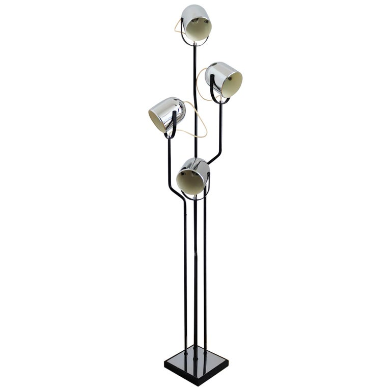 Italian Floor Lamp with Four Lights by Reggiani in Chrome and Black, 1970s For Sale
