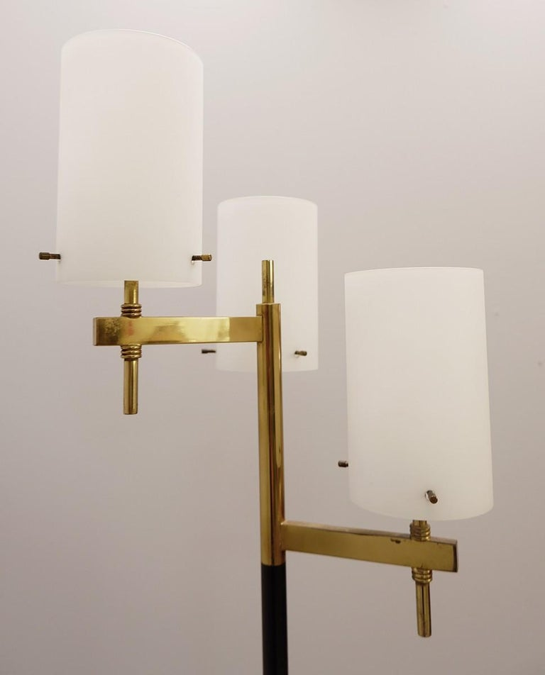 Italian Floor Lamp with Three Opaline Shades from Stilnovo, 1950s In Good Condition For Sale In Brussels, BE