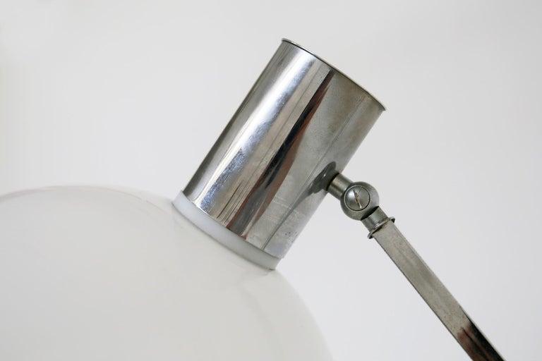 Italian Floor Lamps in Plexiglass and Steel, 1960s For Sale 5