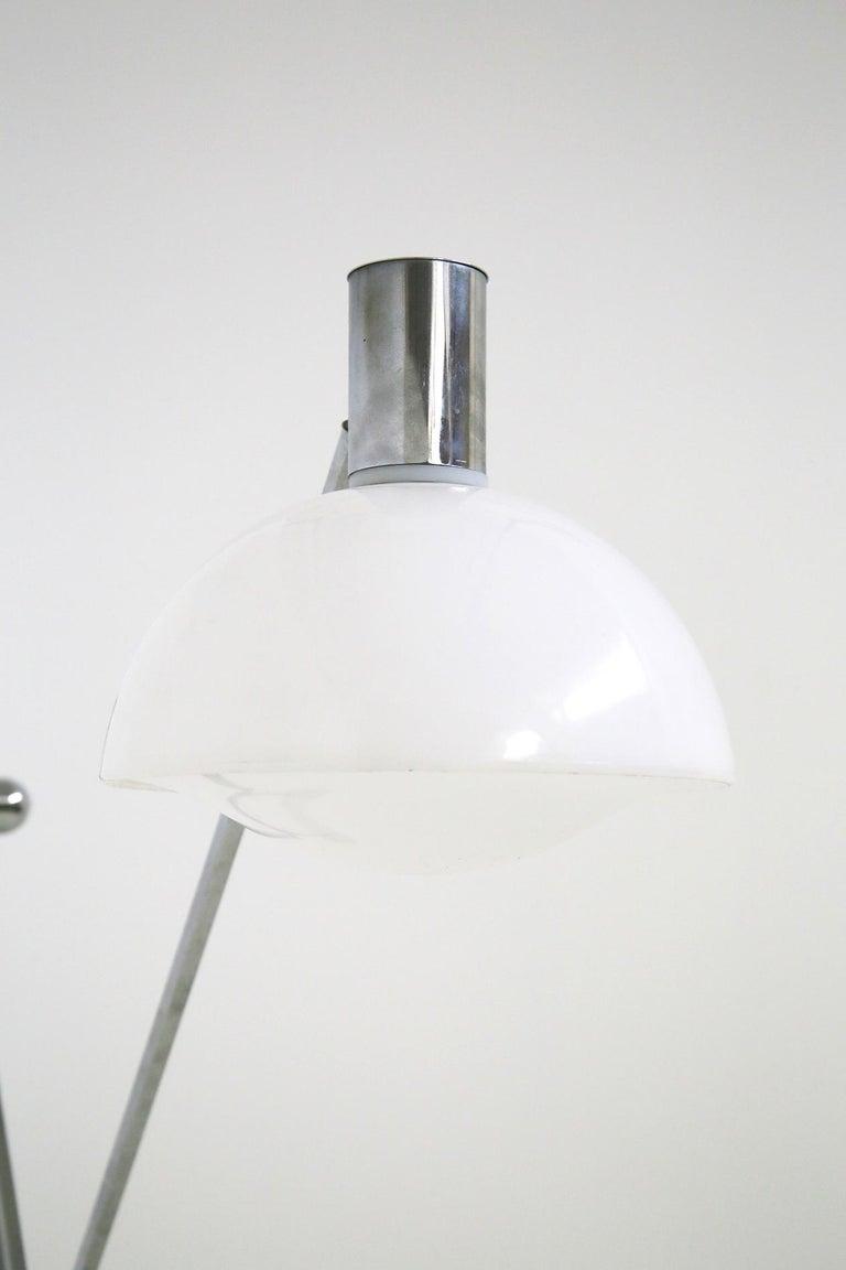 Italian Floor Lamps in Plexiglass and Steel, 1960s For Sale 10