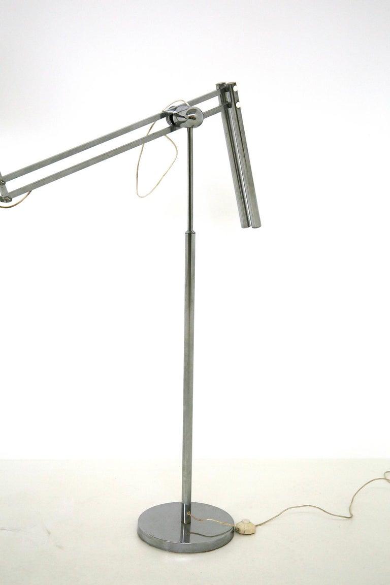Italian Floor Lamps in Plexiglass and Steel, 1960s For Sale 2