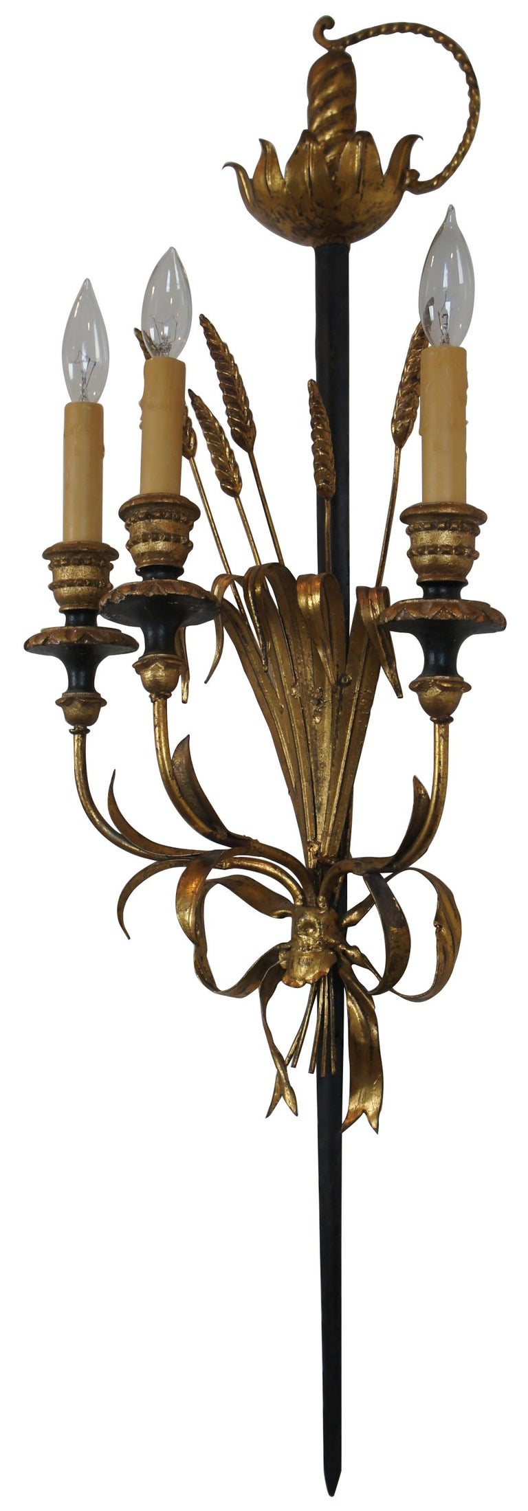 Italian Florentine 3-Light Wheat Sword Tole Candelabra Wall Sconce Regency In Good Condition For Sale In Dayton, OH
