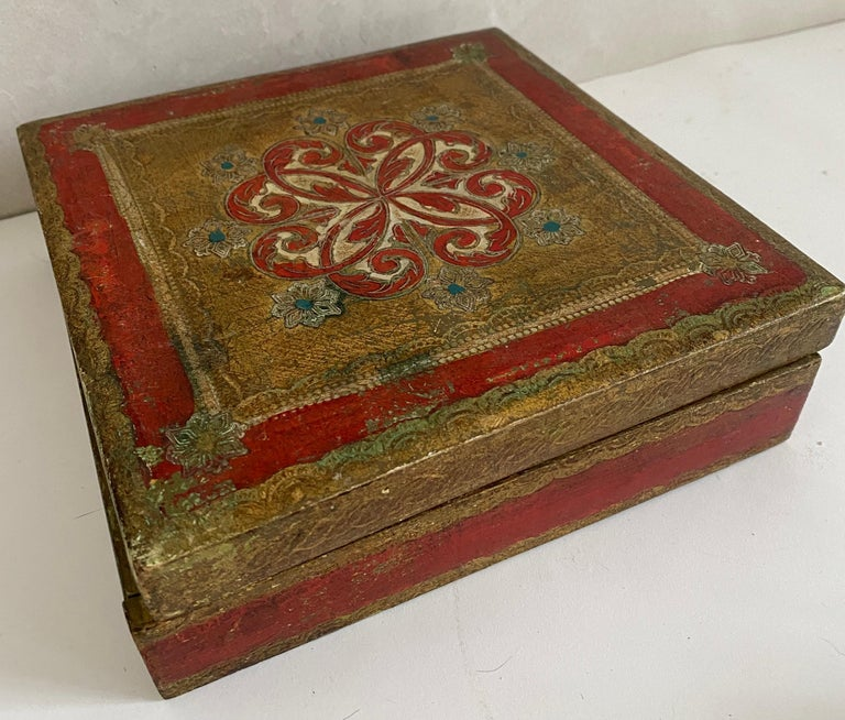 Italian Florentine Hand Painted Box In Fair Condition For Sale In Great Barrington, MA