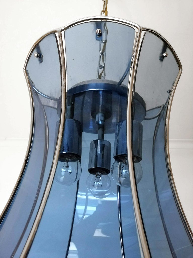 Italian Fontana Arte Mid-Century Modern Smoked Blue Glass Chrome Chandelier 1960 For Sale 3