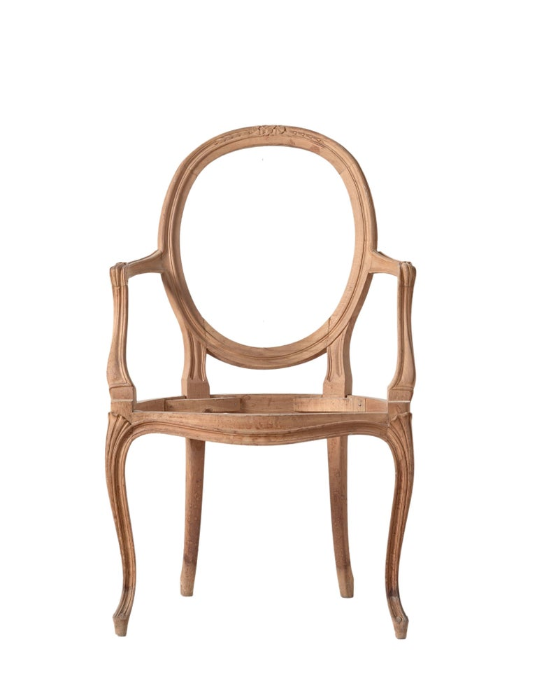 Italian frame, open-armchair handle carved