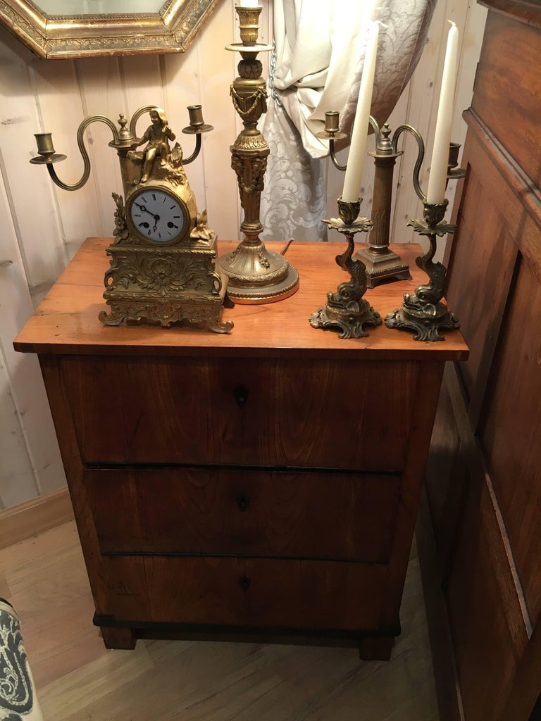 Italian Fruitwood Neoclassical Three-Drawer Chest In Excellent Condition For Sale In Buchanan, MI