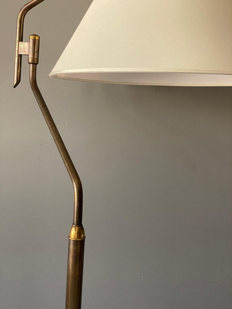 Italian Functionalist Designer, Adjustable Floor Lamp, Brass, 1940s, Italy In Good Condition For Sale In West Palm Beach, FL