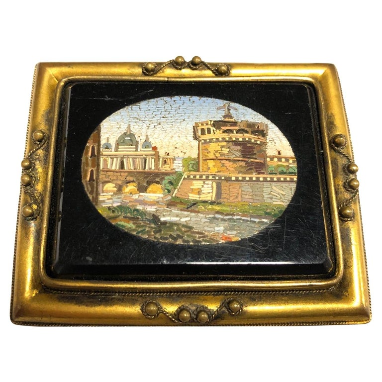 Italian Gilt-Metal Mounted Brooch Set with a Micromosaic Plaque Rome, circa 1830 For Sale