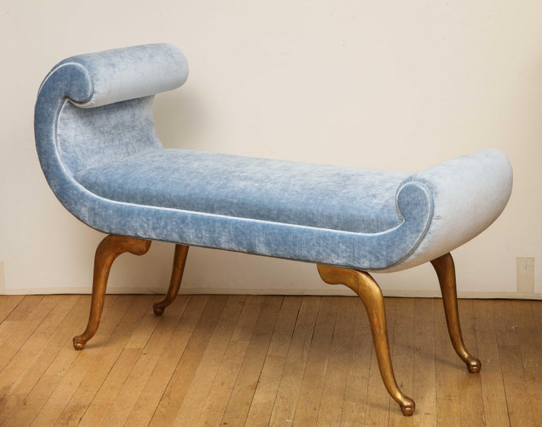 Italian Giltwood Bench in Blue Velvet In Excellent Condition For Sale In New York, NY