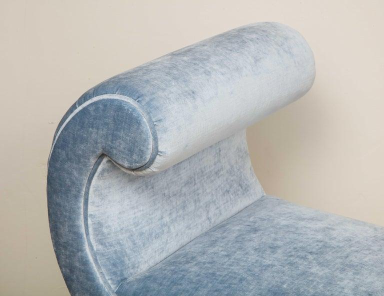 Italian Giltwood Bench in Blue Velvet For Sale 1