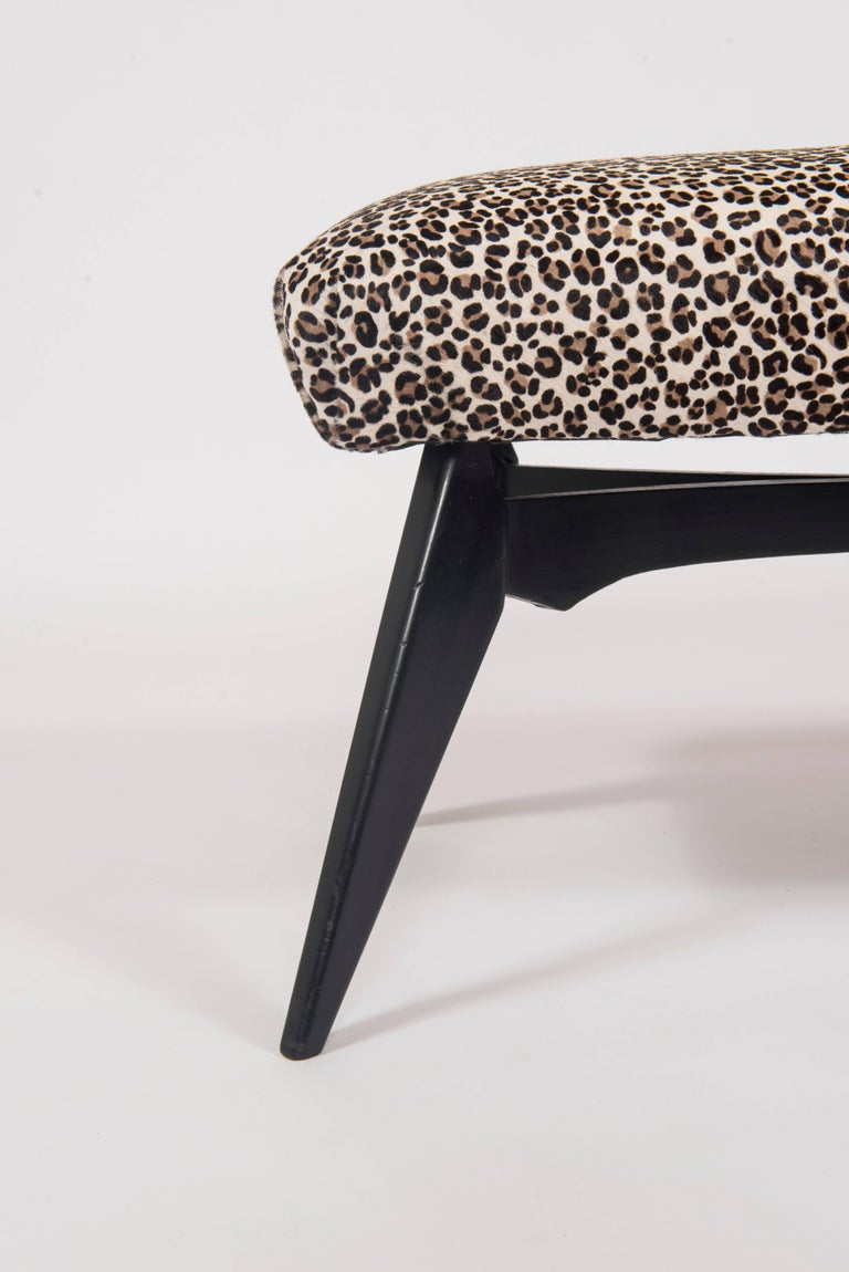 Mid-Century Modern Italian Gio Ponti Inspired Bench Upholstered in Leopard Print Hair Hide For Sale