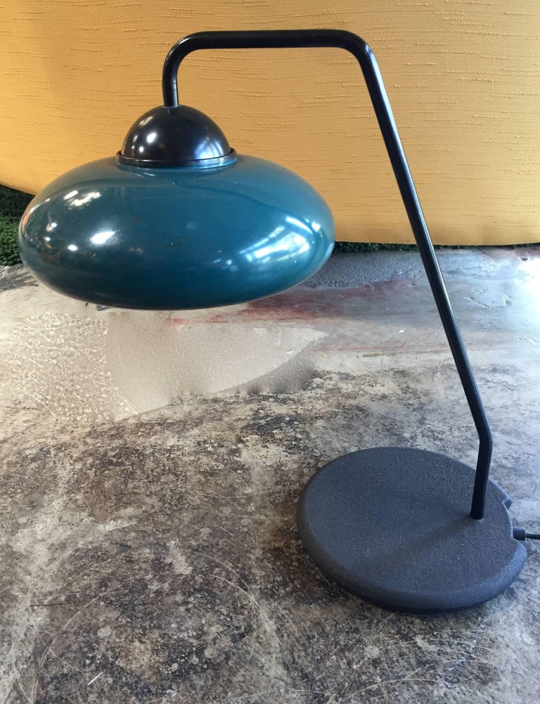 Original green desk lamp by Stilnovo with original sticker and stone base / made in Italy in the 1960s One light / E26 type / max 40W Measures: Diameter 21.5 inches, height 21.5 inches. Stilnovo, Electa Mondadori 2013.