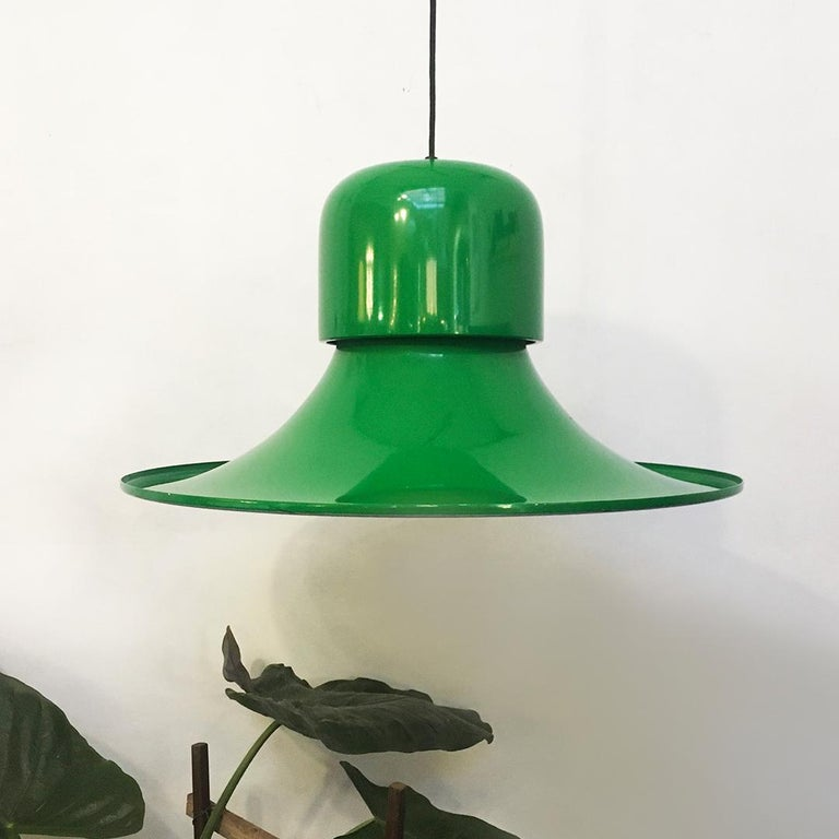 Italian green enameled hat chandelier by Joe Colombo for Stilnovo, 1974 The Hat chandelier in green enameled metal. Designed by Joe Colombo for Stilnovo in 1974. E27 bulb. Perfect condition, with brand on the top shell. Measures: 63 D x 53 H cm.