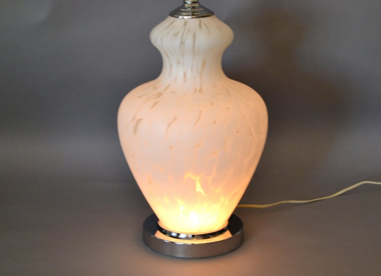 20th Century Italian Hand Blown Murano Glass and Chrome Table Lamp For Sale