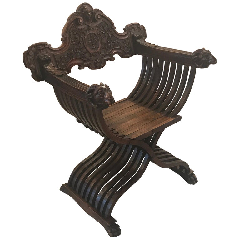 Italian Hand Carved 19th Century Walnut Savonarola Chair For Sale