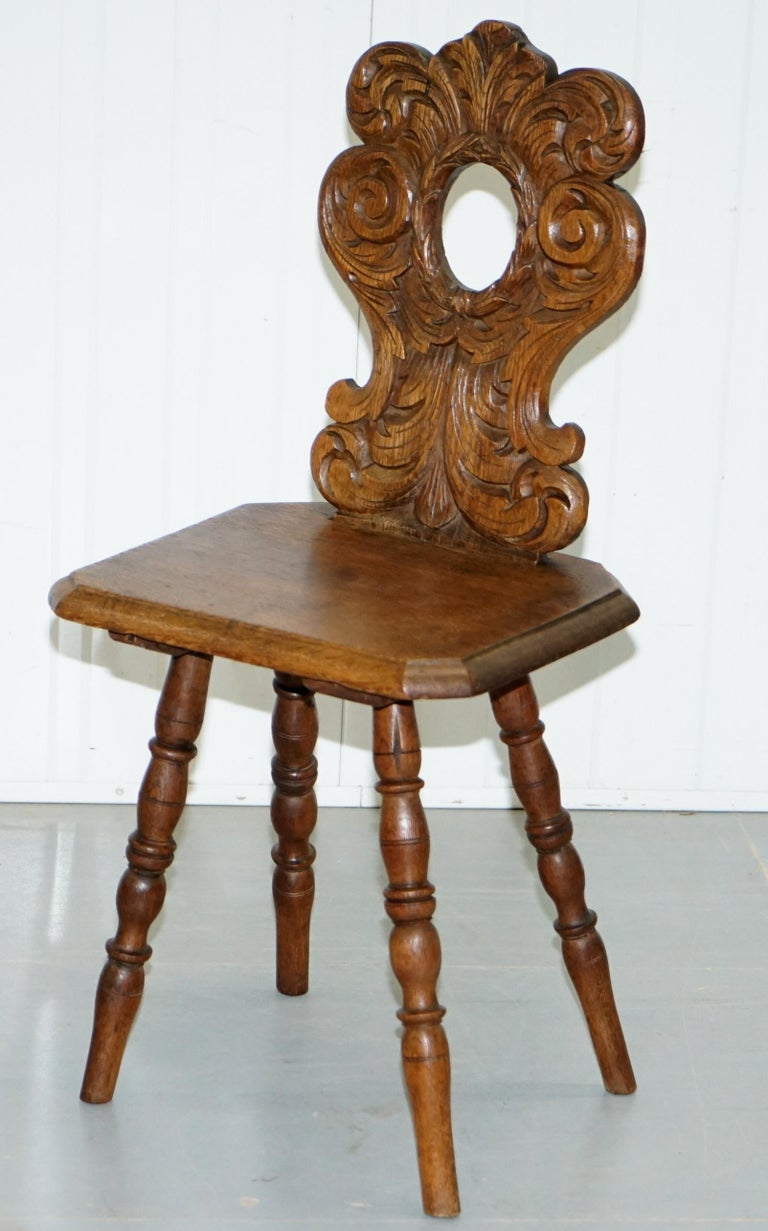 Victorian Italian Hand Carved Oak Hall Chair with Ornate Wood Floral Cresting Back Rest For Sale