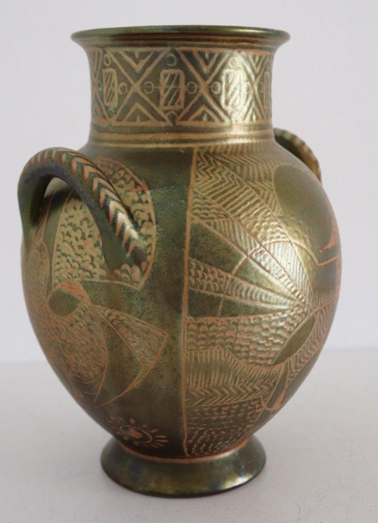 Italian Hand Painted Ceramic Vase in Lustro Glaze by Riccardo Gatti Faenza 1950s For Sale 5
