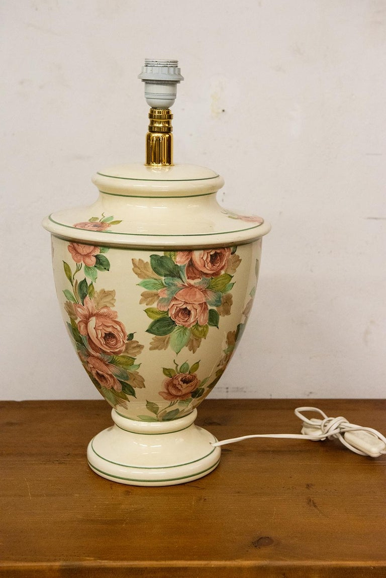 Italian Hand Painted Ceramic Table Lamp with Roses For Sale 1