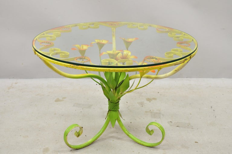 North American Italian Hollywood Regency Orange Yellow Round Iron Flower Small Coffee Table For Sale