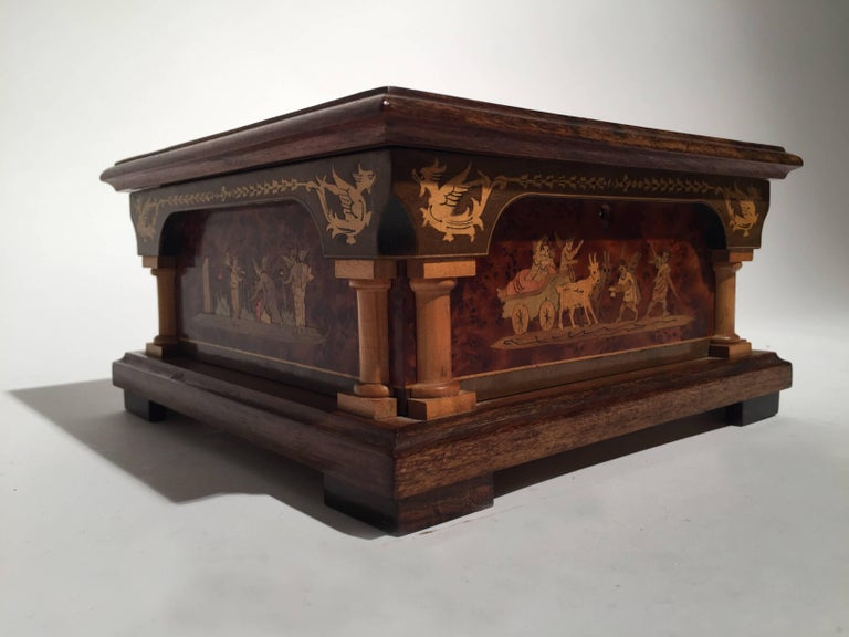 Italian Inlaid Neoclassical Musical Jewelry Box In Excellent Condition For Sale In Lambertville, NJ