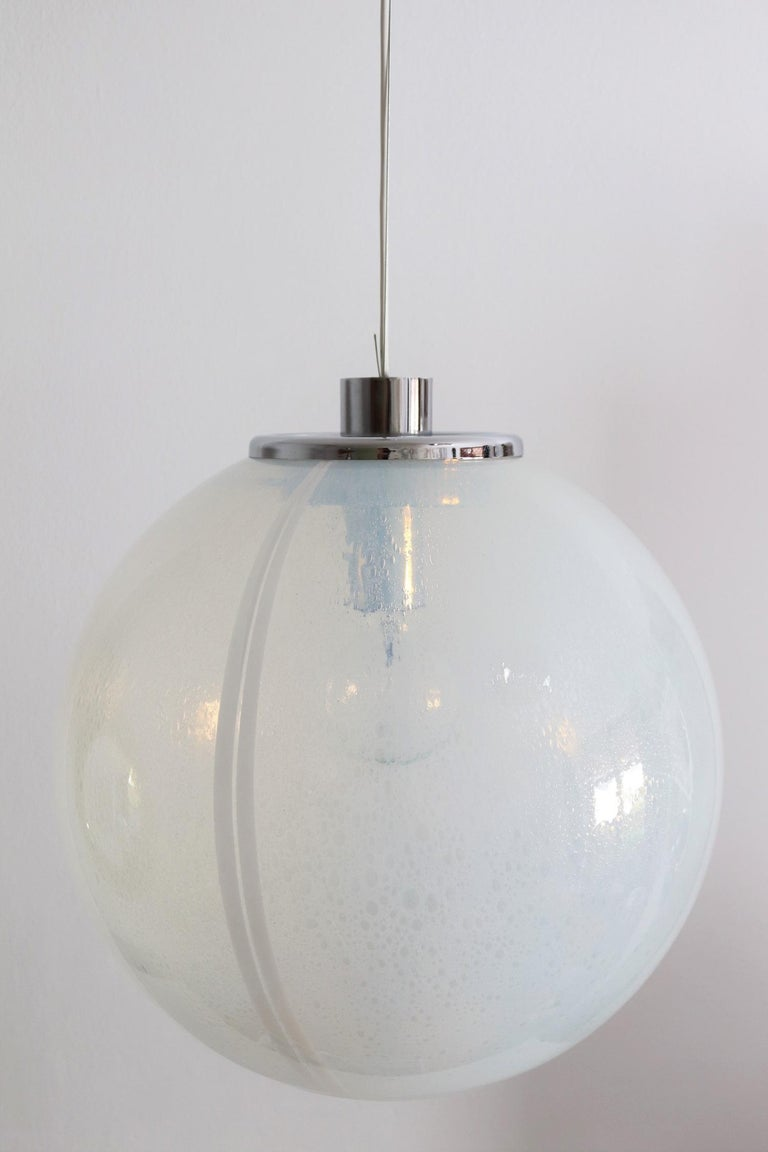 Late 20th Century Italian Iridescent Murano Glass and Chrome Sphere Pendant Chandelier, 1970s For Sale
