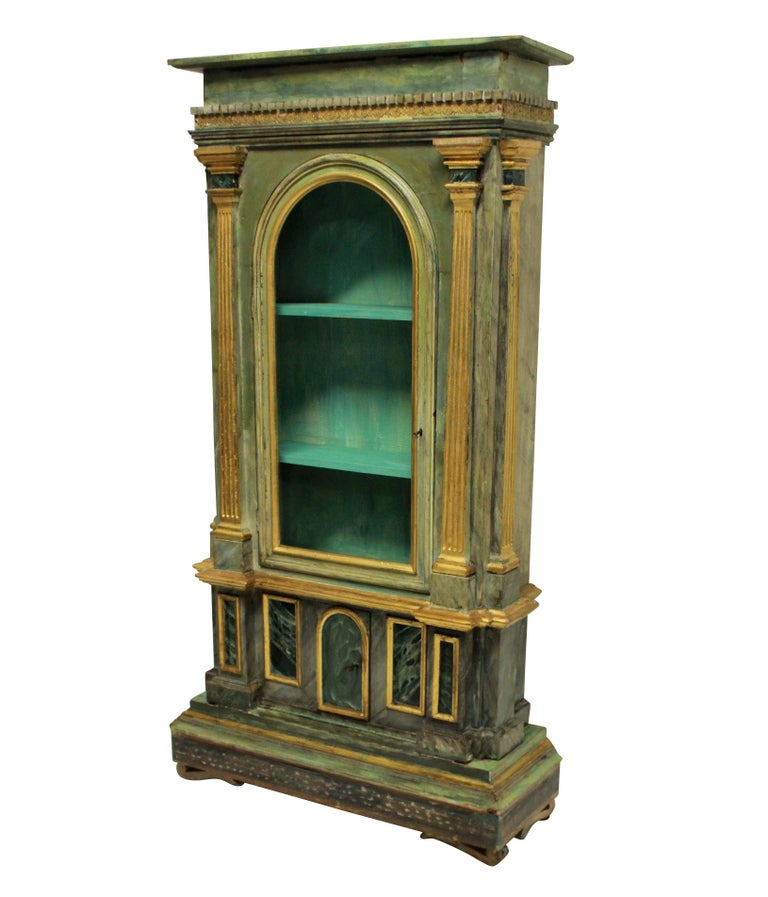Italian Late 18th Century Display Cabinet In Good Condition In London, GB