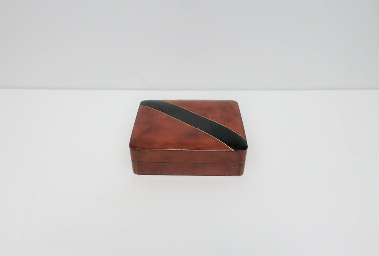 Italian Leather Black and Gold Jewelry Box In Good Condition For Sale In New York, NY